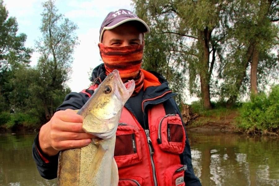Рыбалка на спаде воды продолжается.
